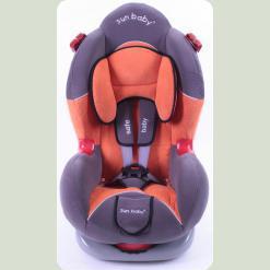 Автокресло Sun Baby ES01 имеет современный дизайн