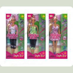 Кукла со стильными нарядами и аксессуарами