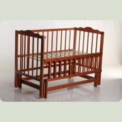 Кроватка детская (Орех)