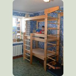 Дитяче двох'ярусне ліжко-спорткомплекс
